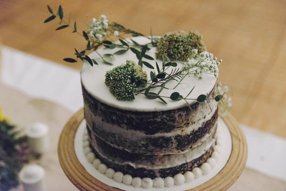 RosewoodWeddingPhotos-LondonWedding-KylieAlex-1435-SelfishThings-BohoFarmWedding-WeddingCake