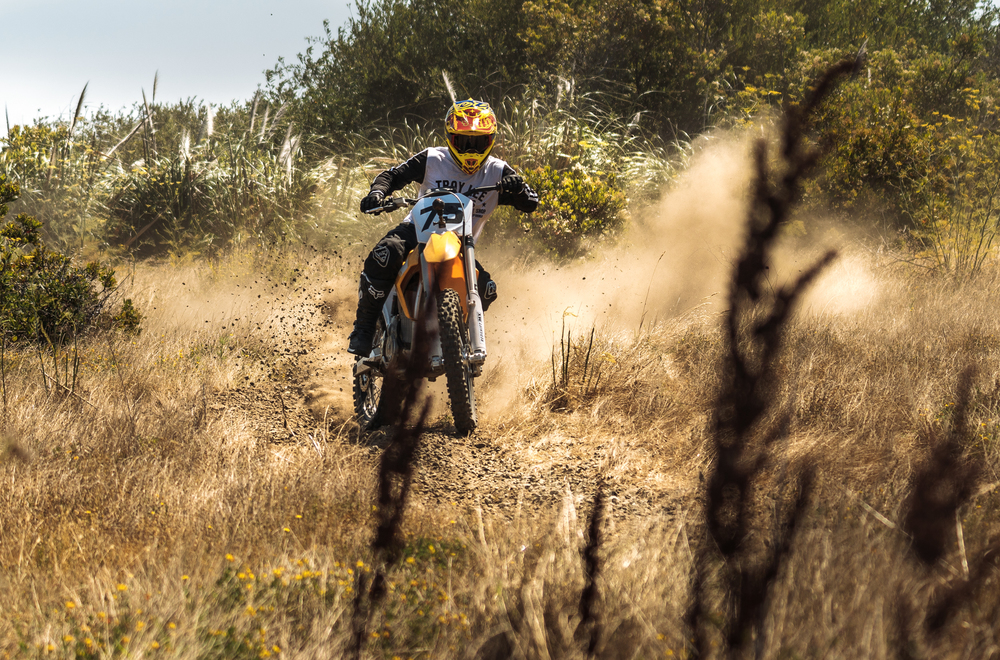 The Redshift MX Throwing Dirt