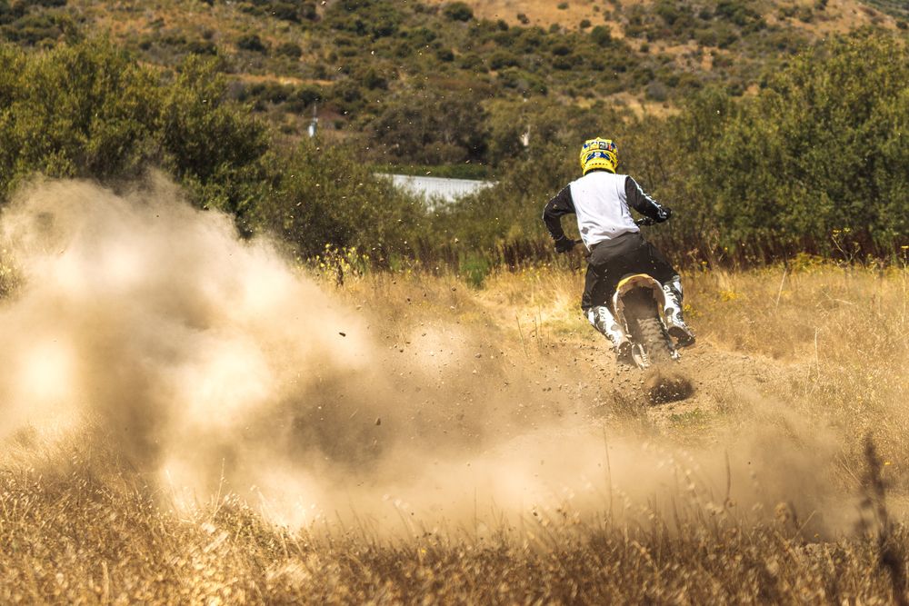 Jeff Ward Throwing Gravel on the Redshift MX