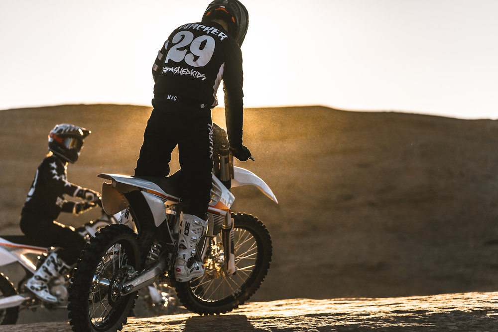 The Fasthouse Crew Rips Swingarm