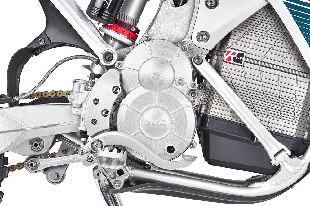 EXR2019_ENGINEDETAIL.jpg