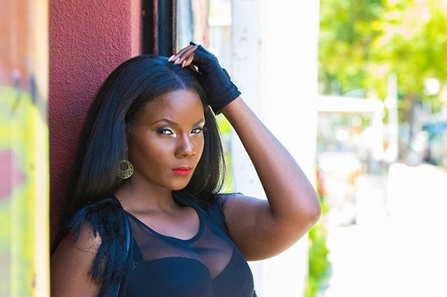 There's a devil on the loose and her name is Stacy. Our #wcw goes to @shaniqua_west #theaveseries