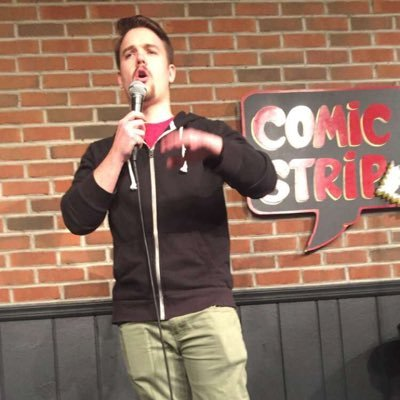 Brian Lloyd performing Stand-up comedy in New York City.