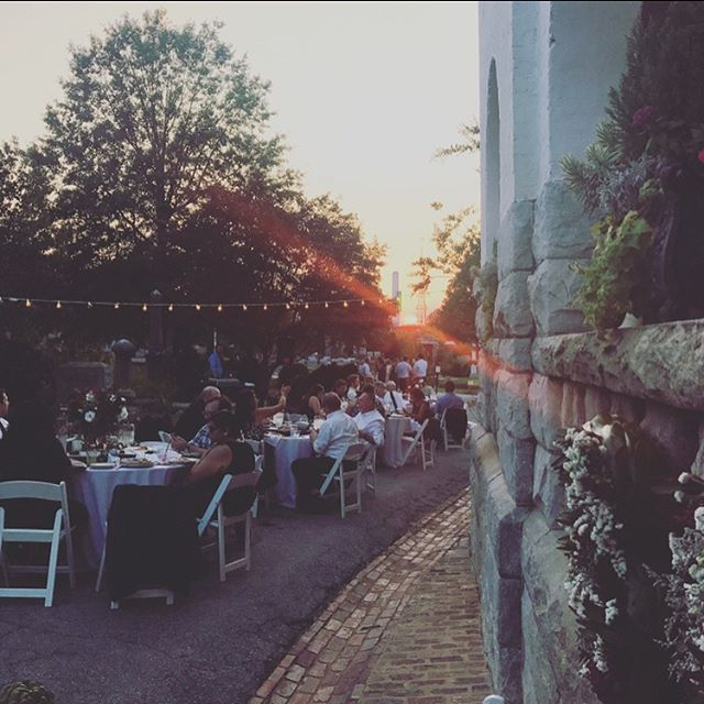 We had Such a blast celebrating a beautiful couple in a beautiful place this weekend. This coming weekend on Sunday October 1st, we will be back at the lovely Oakland Cemetery for Sunday in The Park. Of course slinging sodas and maybe some special sweet treats 😉😉 - see you there! . . . #wedding #oldknow #oldknowbevco #soda #tea #taptails #cocktails #imbibers #imbibegram #catering #sodacart #freshordeath