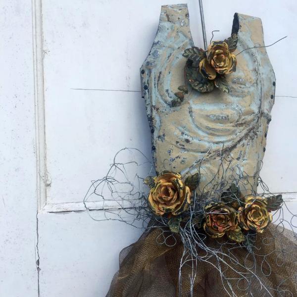 The Mad Queen - Sculpture
