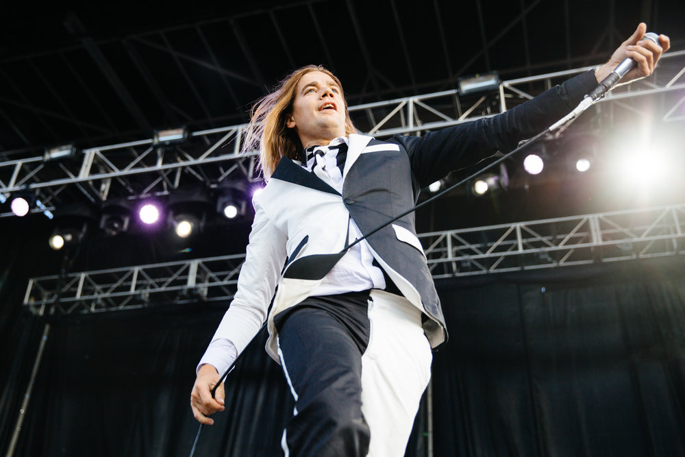 THE HIVES / RIOT FEST