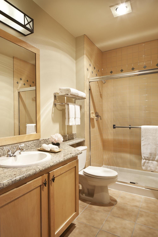 Two Bedroom Condominium J2C3T6 - Bath.jpg