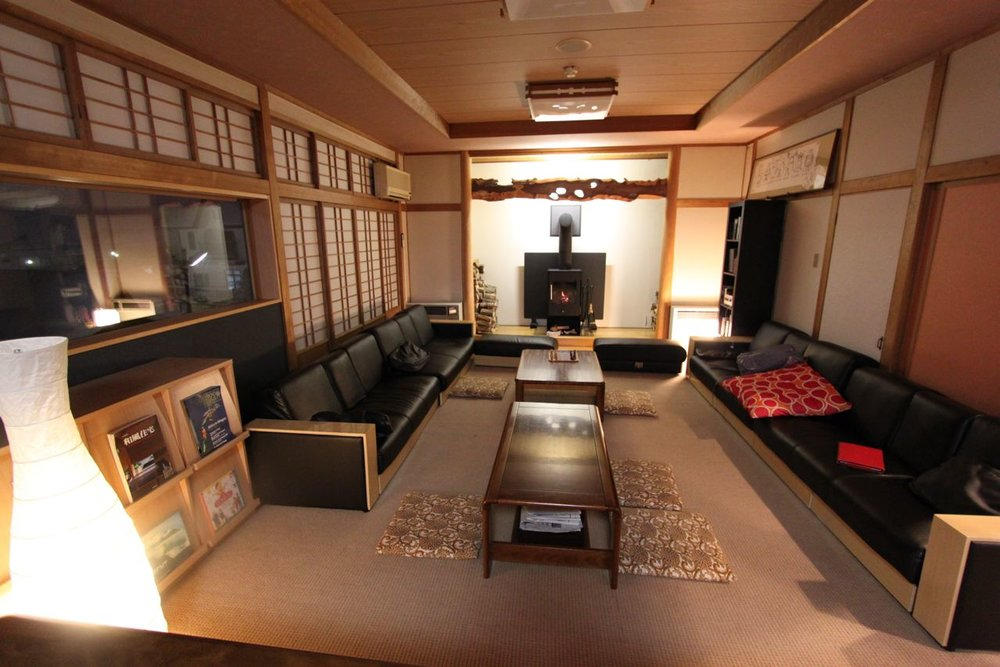 Nozawa-Onsen-Lounge-room-with-Fireplace-2.jpg