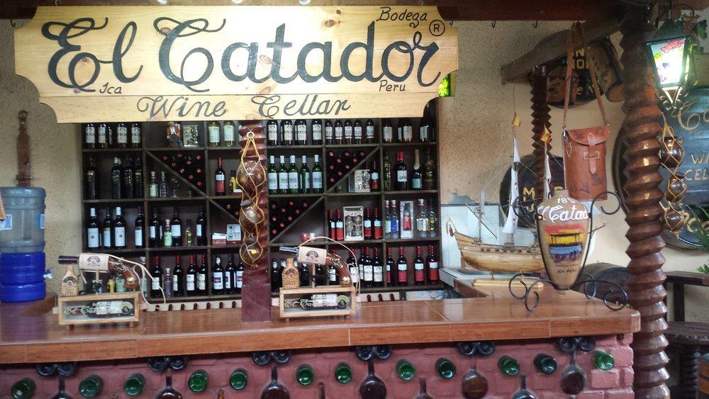 catador huacachina winery.jpg