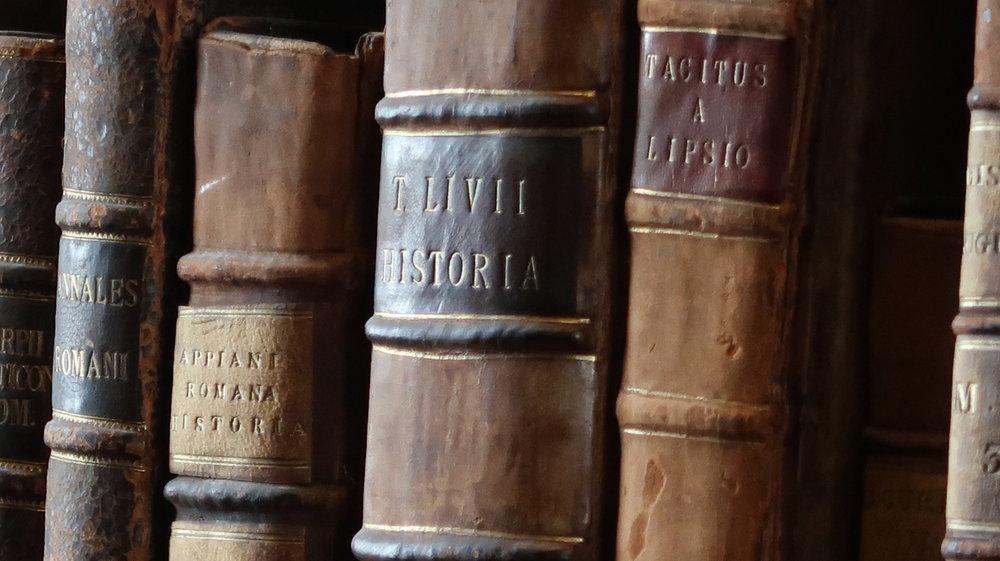 Livius och Tacitus, Old Library Trinity College, photo Amelie Rosengren Latinitium.com.JPG