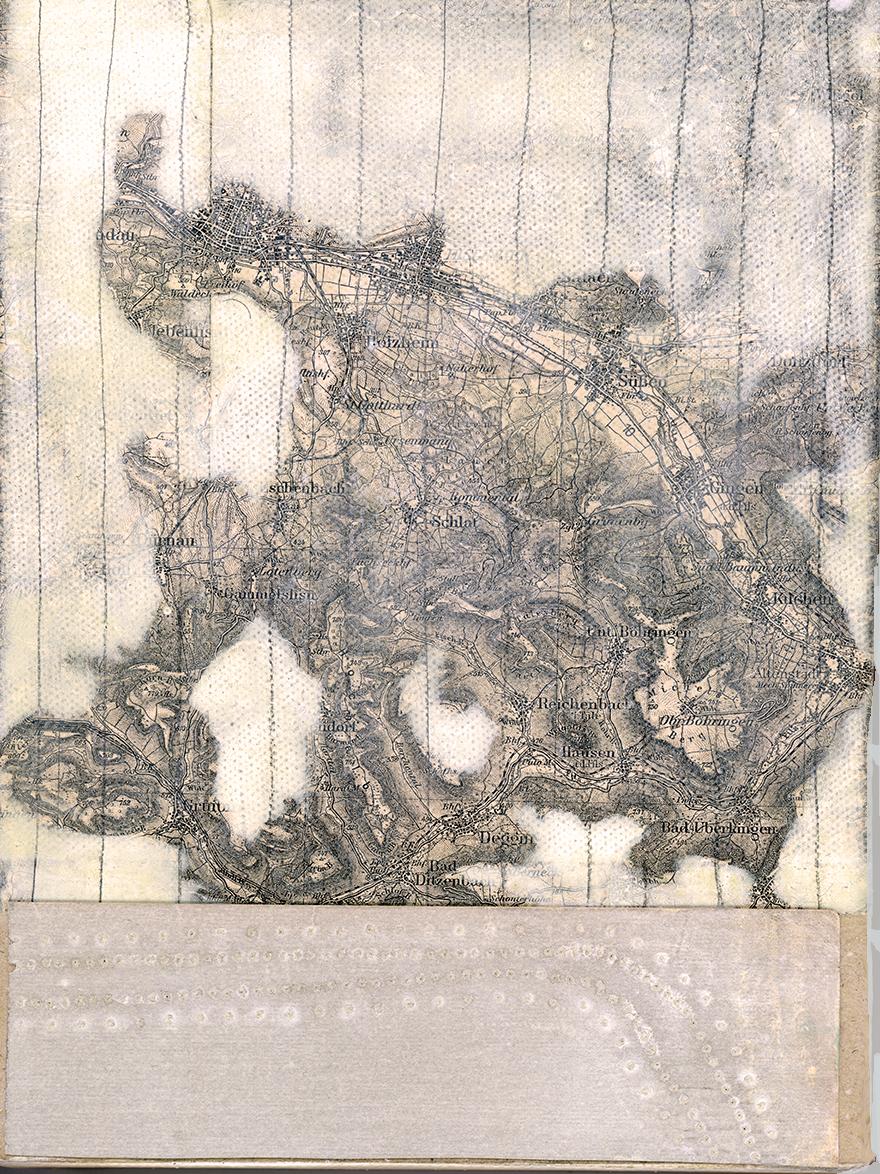 rahel_mueller_2 von 5 mit landkarte 2013_landing copy.JPG