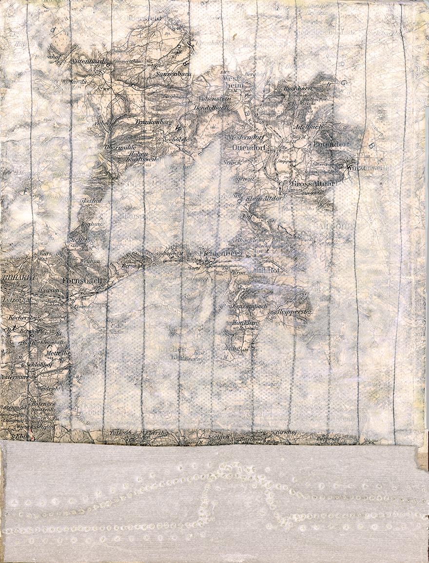 rahel_mueller_4 von 5 mit landkarte 2013_landing copy.JPG