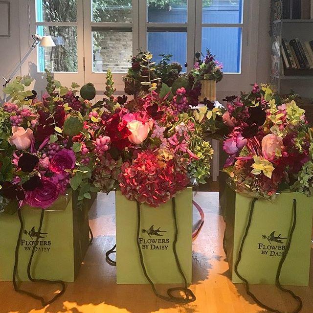 On their way 👋 #flowersbydaisy