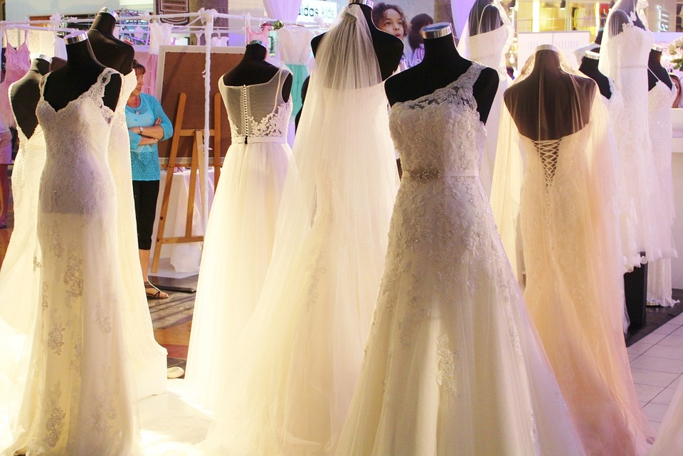 To Bridal Expo or Not to Bridal Expo? — Lists & Lace