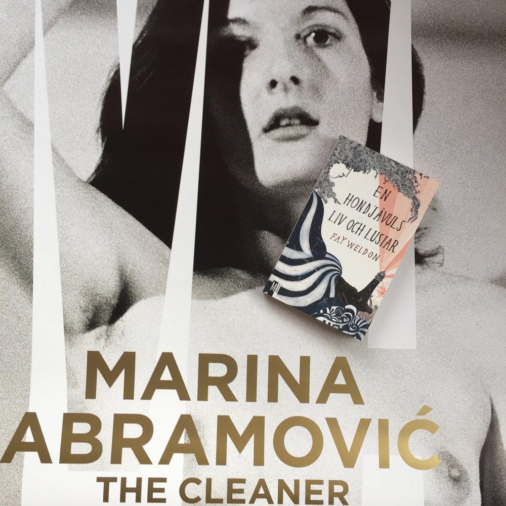 PS. Det finns  en scen i Sex and the City  som är inspirerad av Marina Abramovic'och hennes performance. Bara en sån sak!