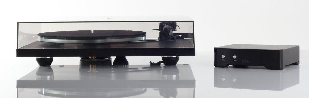 Planar 6 shown with accompanying Neo PSU