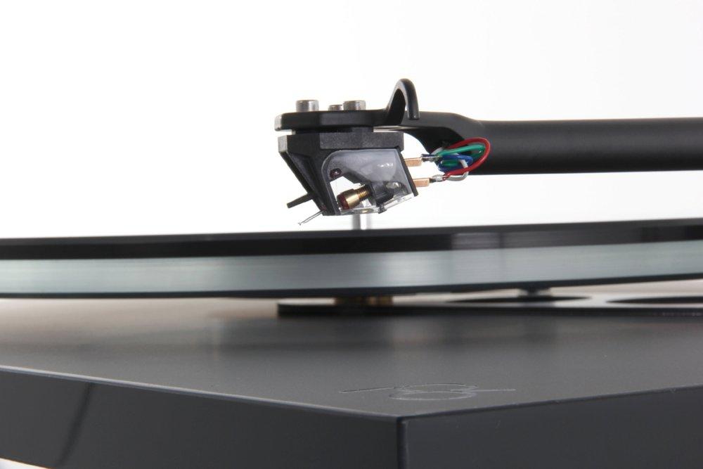Planar 6 turntable with Ania MC cartridge