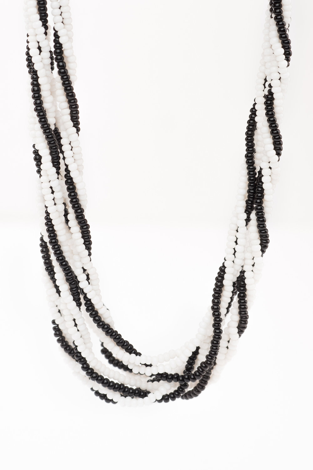 Twisted Necklace (Trad Zebra)-BW2004 (2).jpg