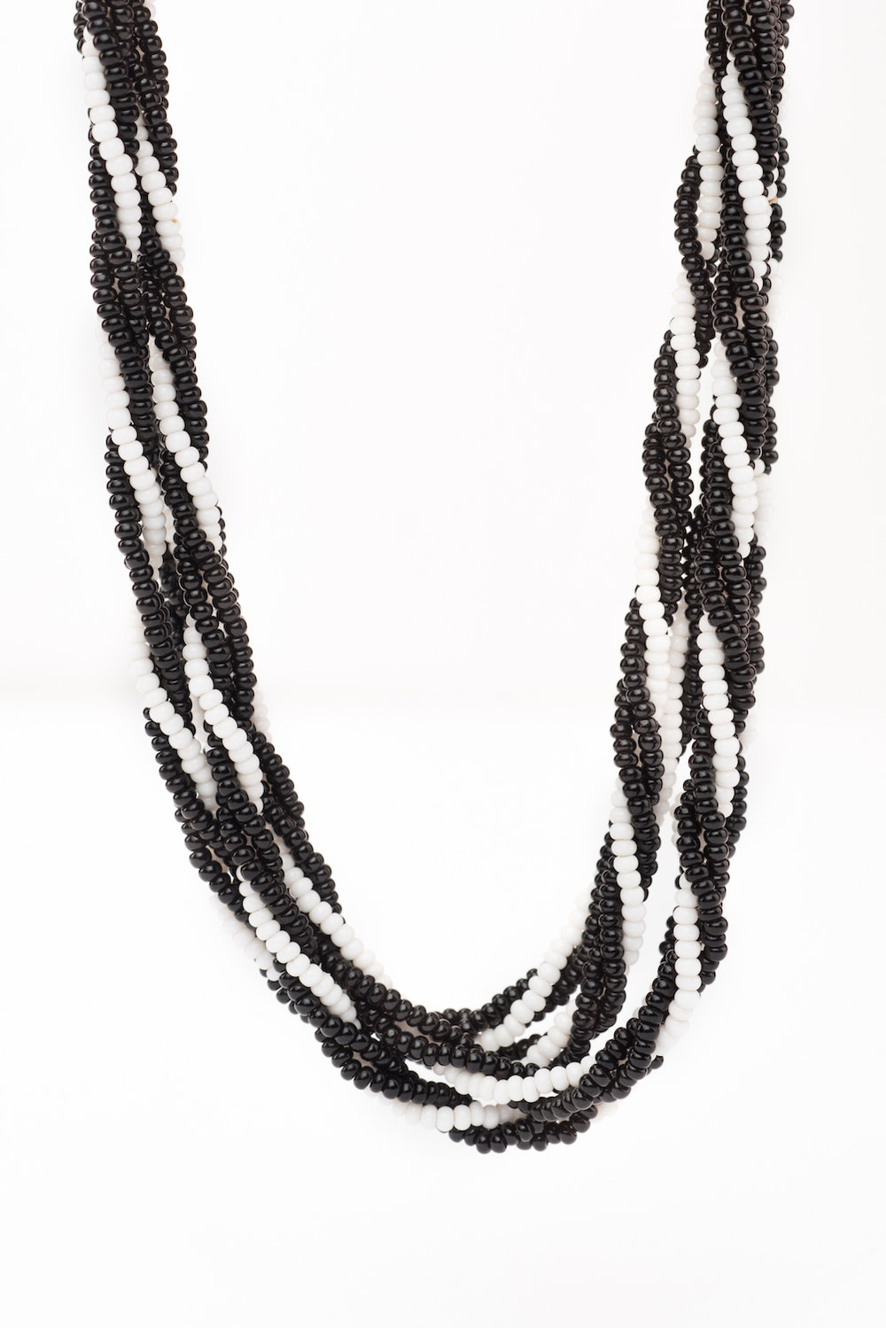 Twisted Necklace (Trad)-BW2004 (8).jpg