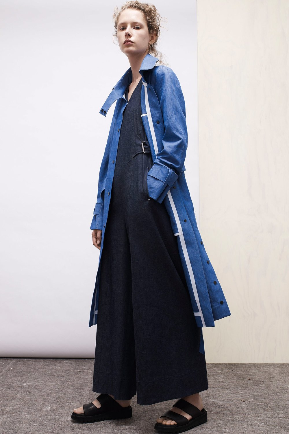 A carefully designed jean trench coat