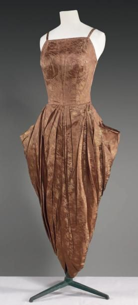 Cocktail dress circa 1948/1950  via   Cornette de Saint Cyr