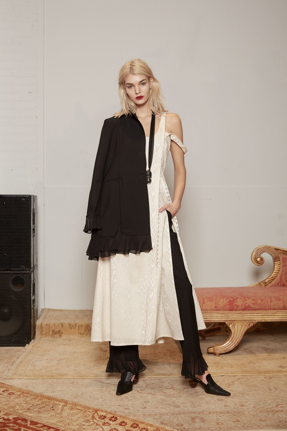 26-rosie-assoulin-fall-2017-lookbook.jpg