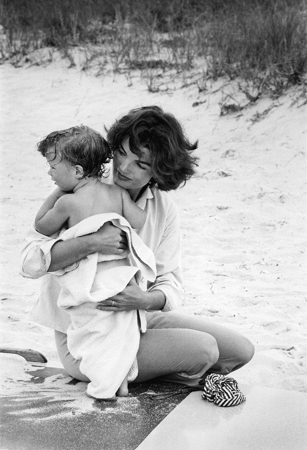 Jacqueline Kennedy and Caroline by Mark Shaw, 1959