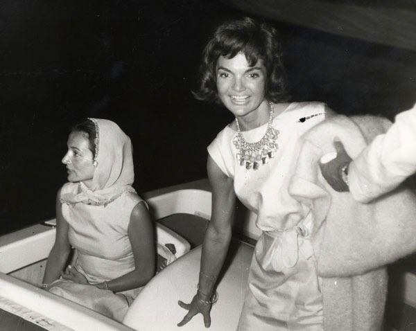 Lee and Jackie in Skorpios, 1963. Photo by Ron Galella/Getty.