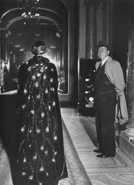 'Une femme passe' by Robert Doisneau,1948.