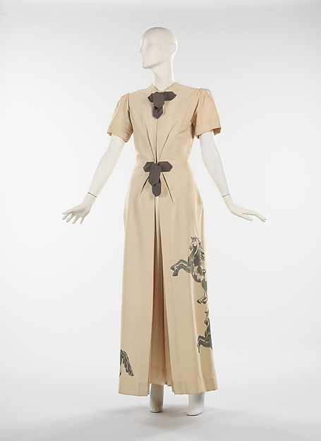Lounging pajamas designed by Elizabeth Hawes in 1939  via  The Met