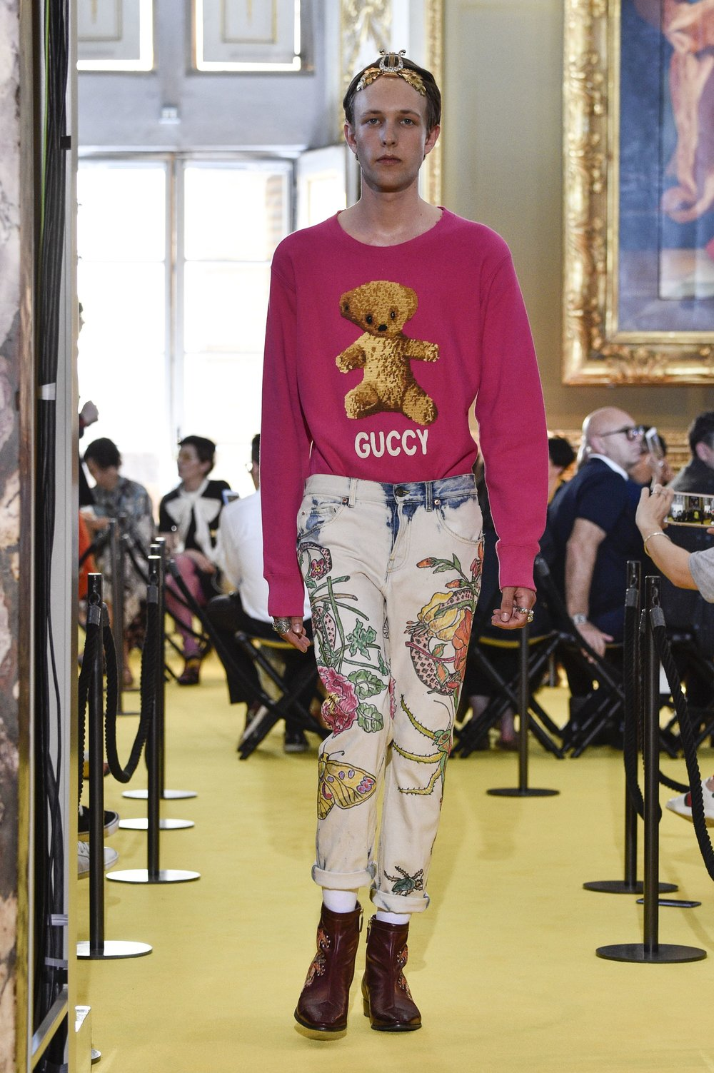 gucci-resort-2-logo.jpg
