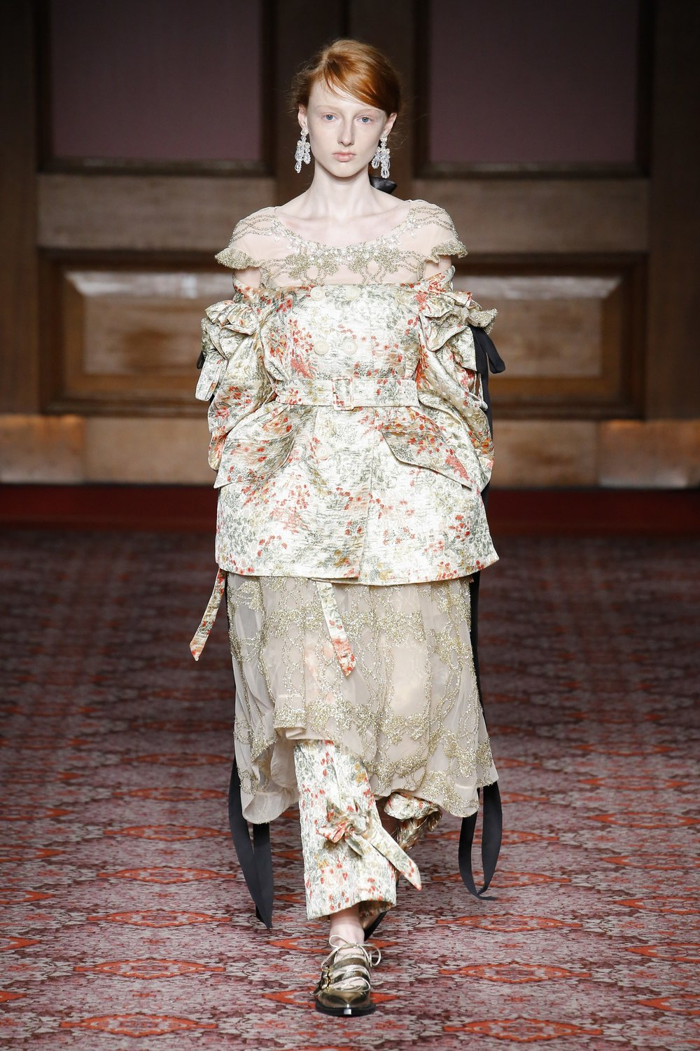 simone-rocha-london-fashion-week-fall-2018-rtw-1.jpg