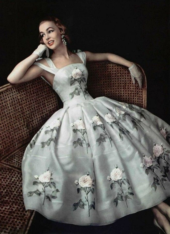 Givenchy dress photographed by Philippe Pottier, Spring 1956,