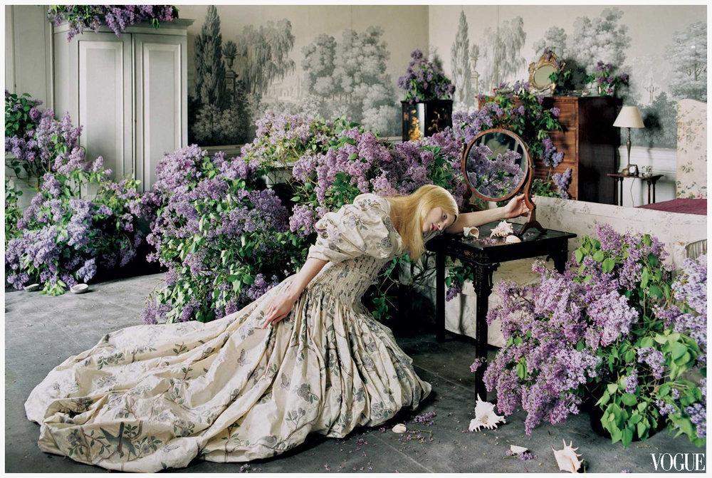 Alexander McQueen dress photographed by Tim Walker for Vogue, 2006