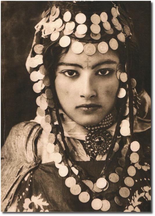 Lehnert & Landrock, Ouled Naïl Girl, Algeria circa 1905