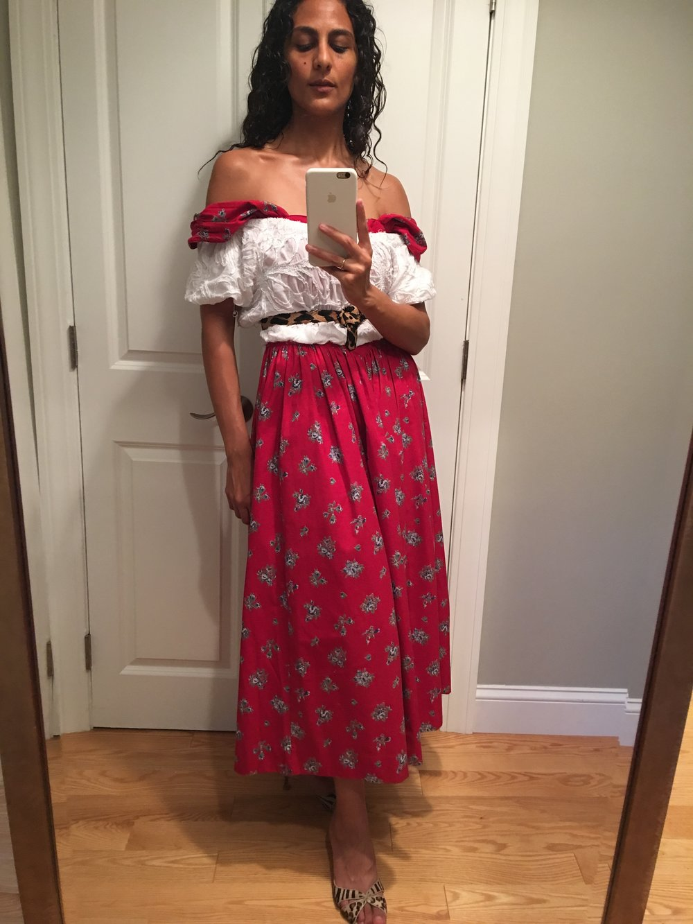 nadine_farag_man_repeller_mirror_selfies_fashion_self_acceptance_one_who_dresses