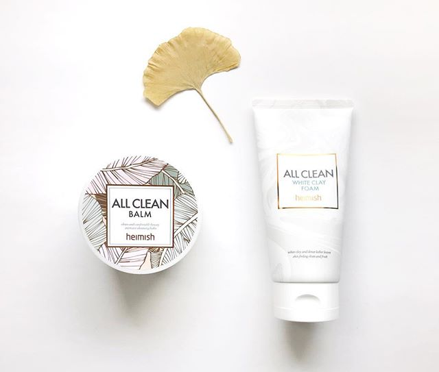 Be all clean with Heimish #kbeauty! Use the balm and white clay foam together for your #doublecleanse. 👍💛 . . . #koreanbeauty #heimish #koreanskincare #koreancosmetics #beautyaddict #jinibeauty #beautybox #loveyourskin #rasianbeauty #thursday