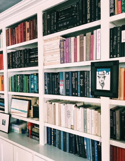 9 Tips For Staging Your Bookshelves To Attract Buyers Katie Hauser Chicago