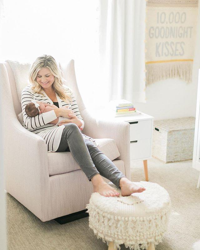 Newborn session comin' in hot! Check your email @annaliserochelle 🙌🏼💕#amiragraynewborns #sandiegonewbornphotographer