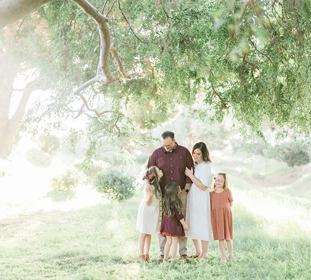 Eight mini sessions going out today 🙌🏼 Sharing a few more on stories this morning 💕 #amiragrayfamilies #sandiegofamilyphotographer