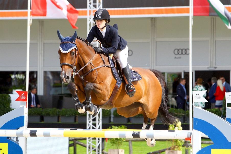 Jenn riding Monaco - Stephex Masters