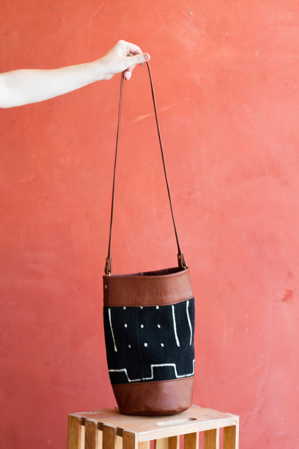 The Mali Bucket Bag - Talk about Christi and Here sister Anna and their ministry in India with Gospel Project International.Talk about the interesting texture of the fabric and how you feel more connected with nature because of the unique nature of the fabric.