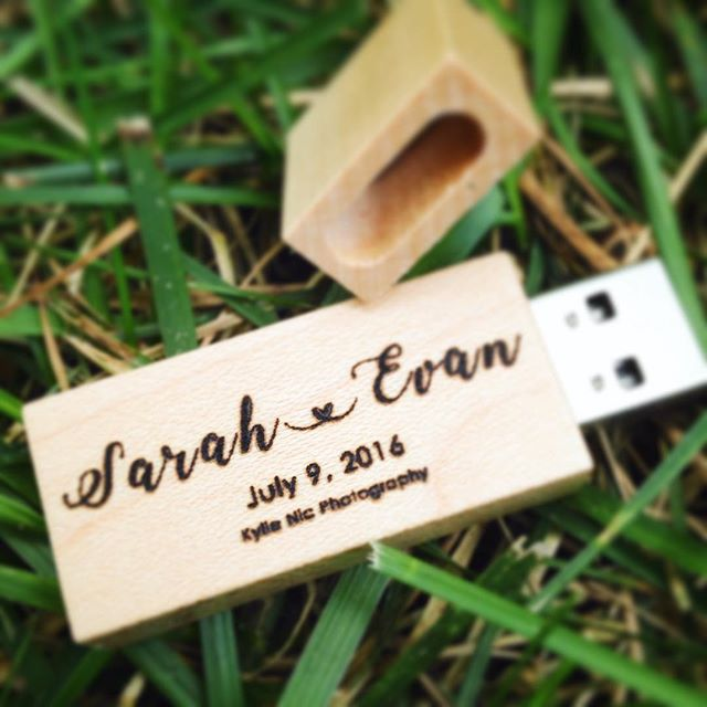 OBSESSED with this customized wooden USB stick from @photographersupplyco !! Can't wait to deliver client images in a personalized, rustic manner! 🙊 #technology #digital #photography