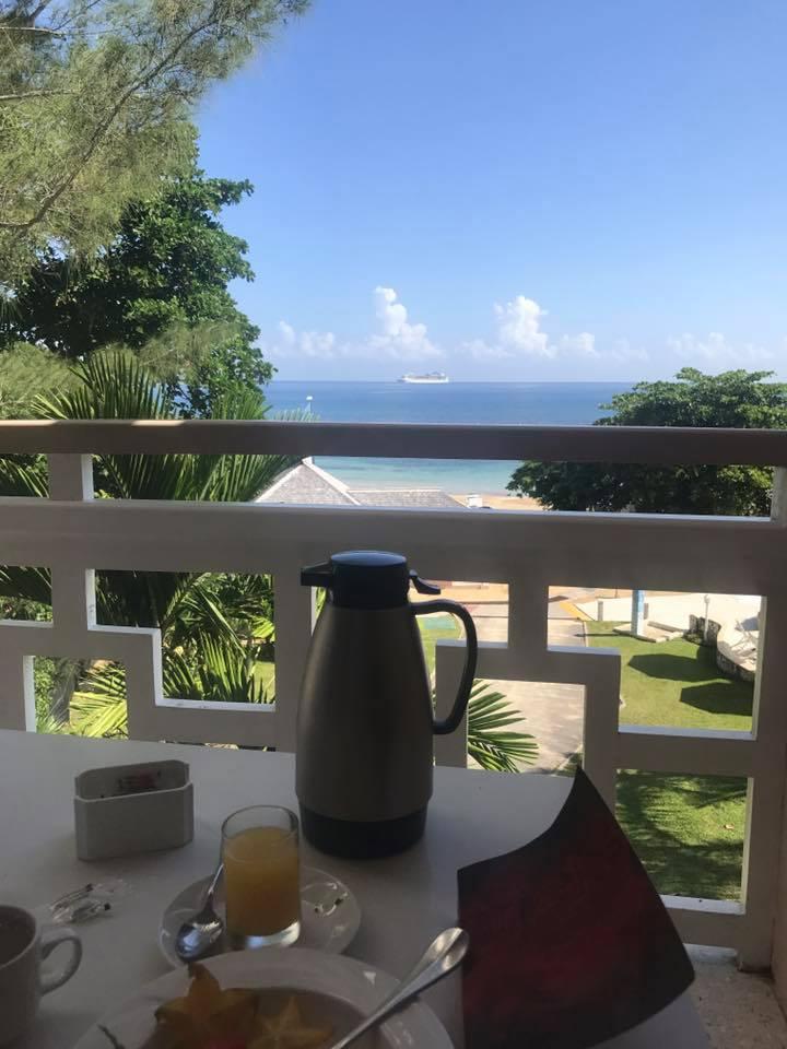 breakfast balcony.jpg