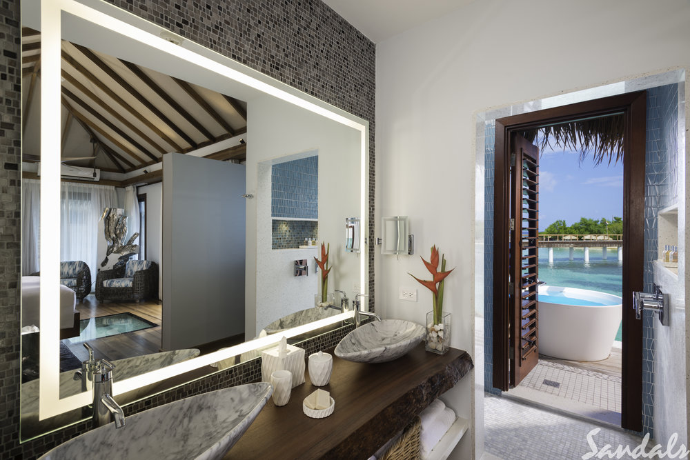 Trade SRC_OVER_WATER_BUNGALOW_RM_17_CAT_OWB_BATHROOM_024-Edit.jpg