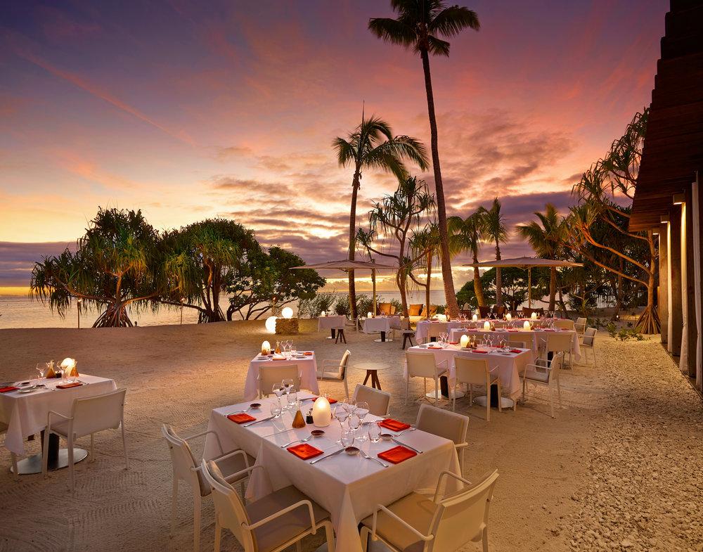 Dinner on the beach (Beachcomber)