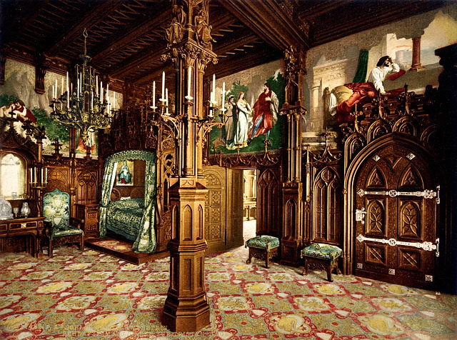 neuschwanstein-castle-bedroom.jpg