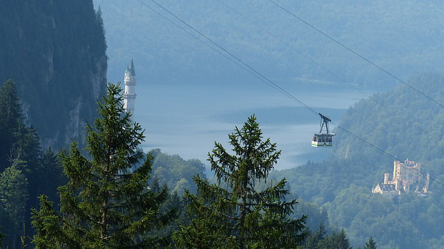 Neuschwanstein-cable-car.jpg