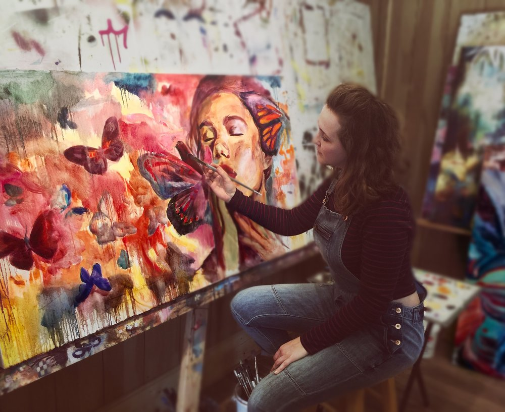New UGallery artist Miranda Gamel working in her studio