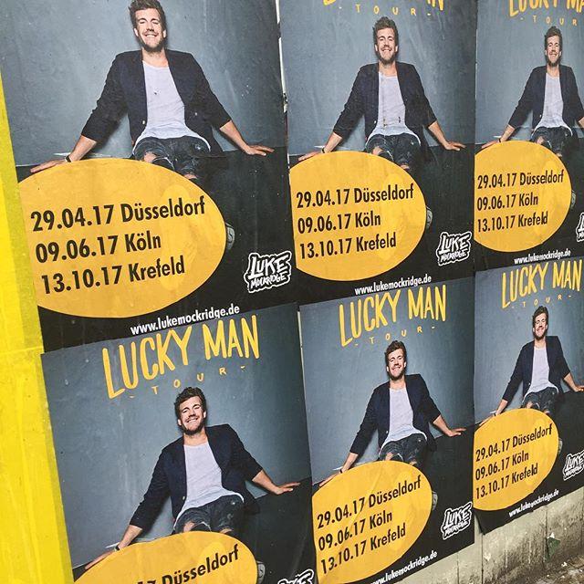 Schön wenn man durch die Stadt schlendert und Plakate entdeckt, die im #loftstudiocologne entstanden sind. 😊#lukemockridge 📸: @borisbreuer